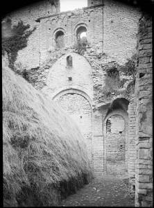 ruines eglise base mistral- memoires 11 - Tillet